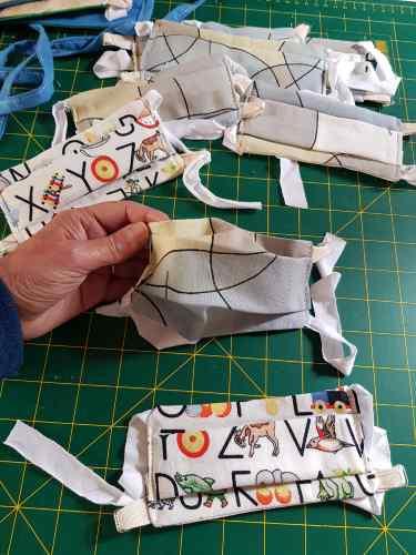 masques covid en tissu coupe droite